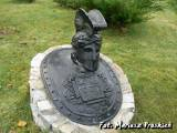 Łomża. Rzeźba z grobu płk Tuchaczewskiego.
