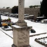 Cannes-Ecluse. Pomnik na cmentarzu.