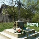 Mosty Lewe. Pomnik na mogile żołnierzy WP.
