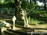 Pomnik na cmentarzu w Głębokim.