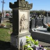 Klukowo. Grób Gościckich na cmentarzu parafialnym.