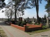 Mogiła zbiorowa na cmentarzu parafialnym w Strzegowie