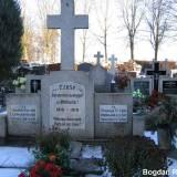 Mogiła zbiorowa powstańców wielkopolskich w Margoninie.