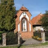 Gryźliny, kapliczka w miejscu pomnika plebiscytowego